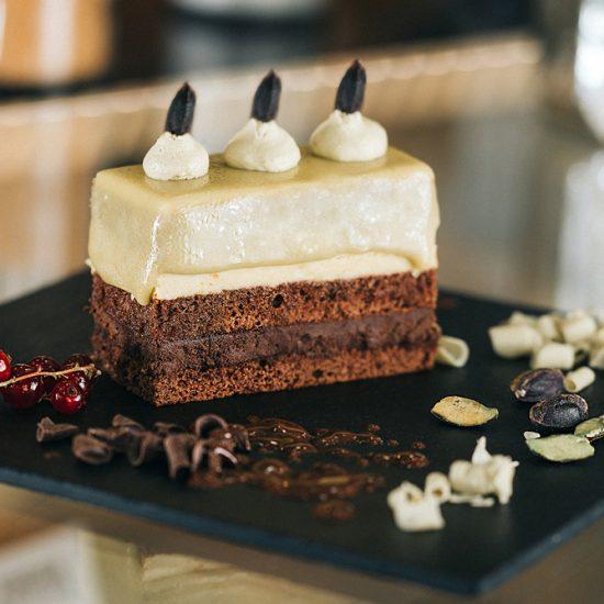 Prajitura Loren – cu ciocolata si fistic